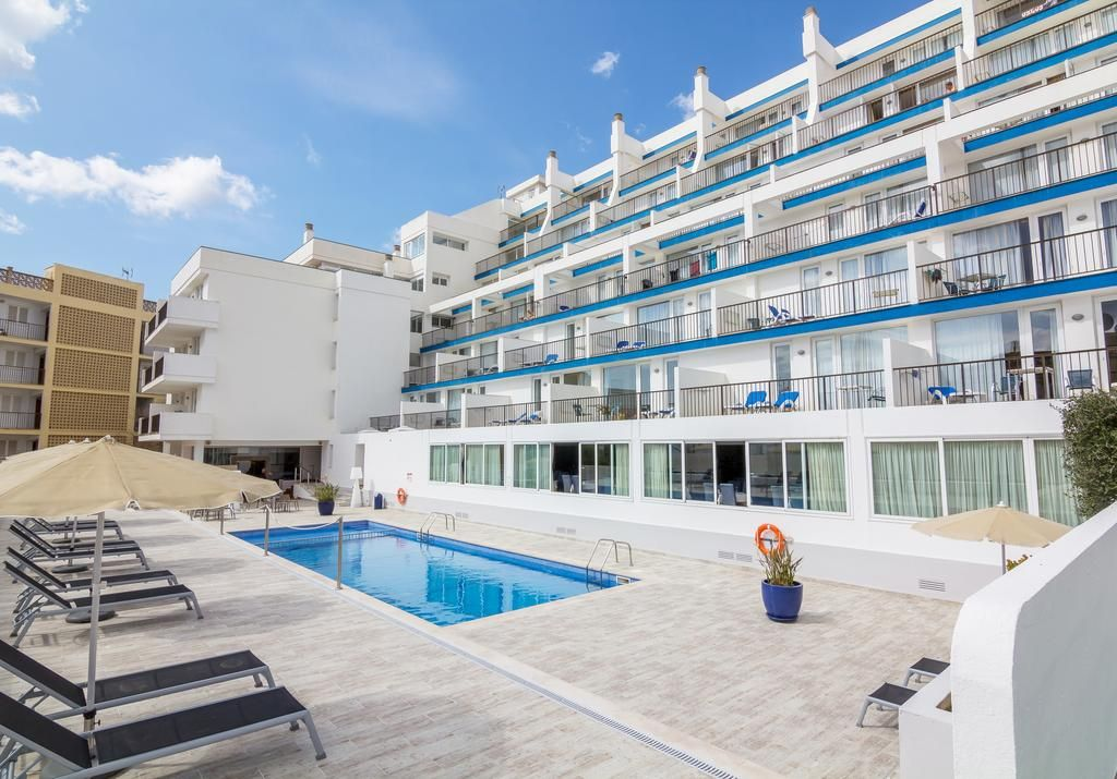 Apartment with garden in Paguera