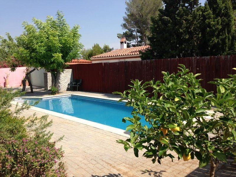 Apartment, private pool, free parking, sleeps 4