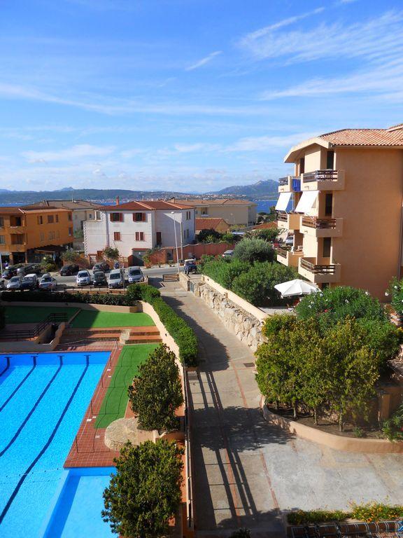 Apartamento para 5 huéspedes con piscina