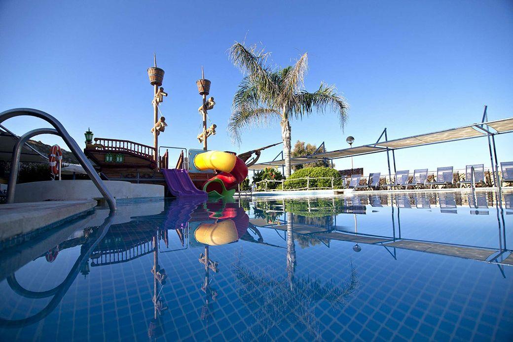 La piscina infantil del Hotel Son Bou Family Club
