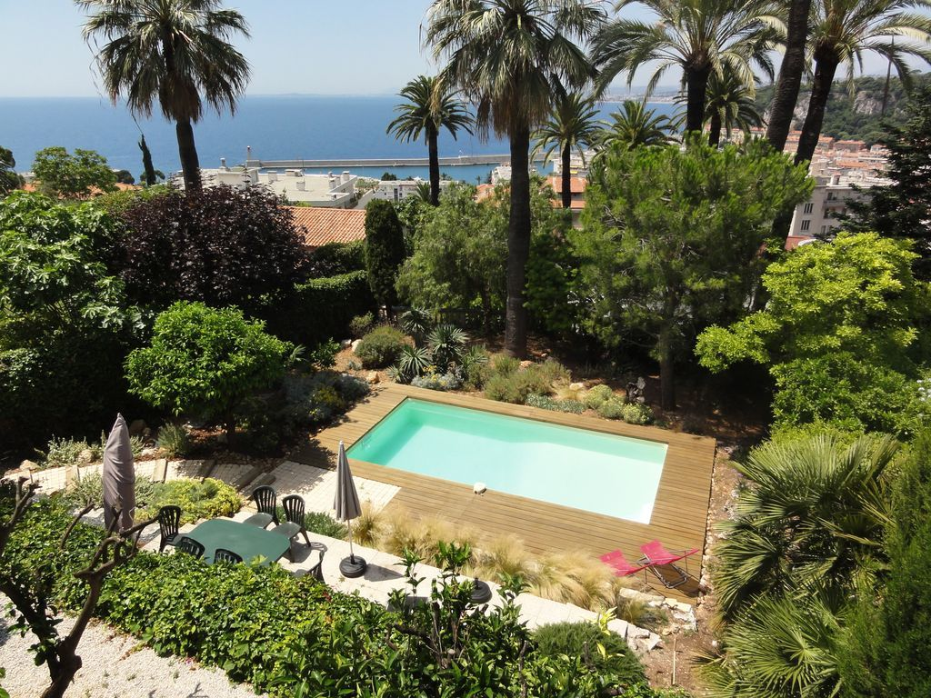 Holiday letting with Laundry and Balcony in Nice