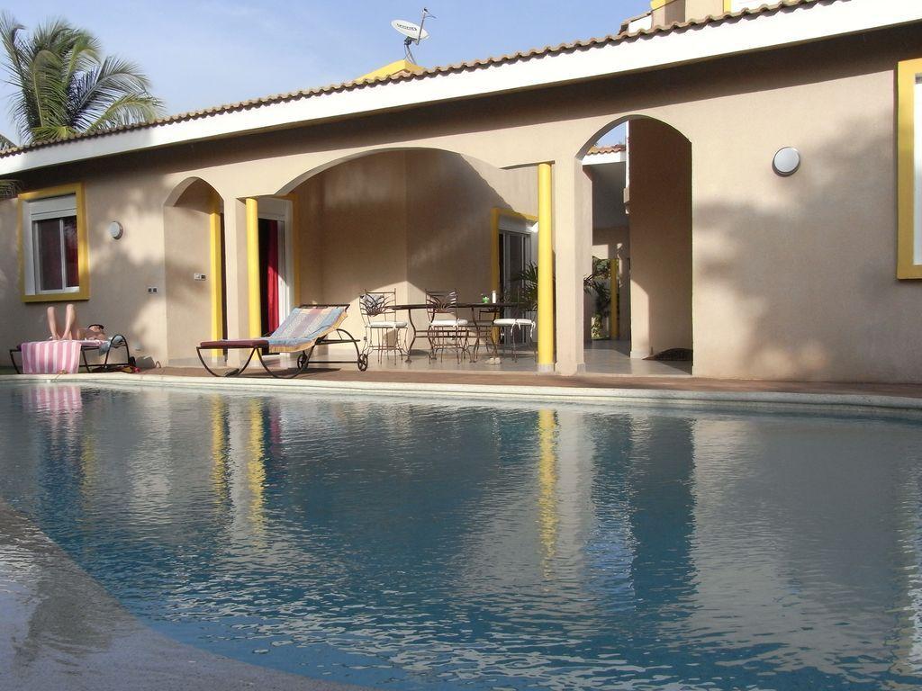 Vivienda para 6 huéspedes con piscina