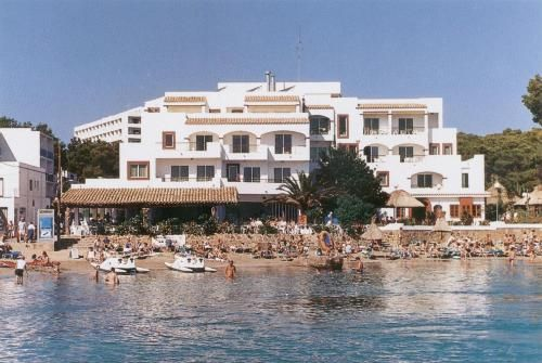 Holiday rental in Es cana for 6 people