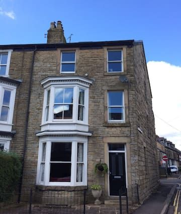 House in Buxton with wi-fi