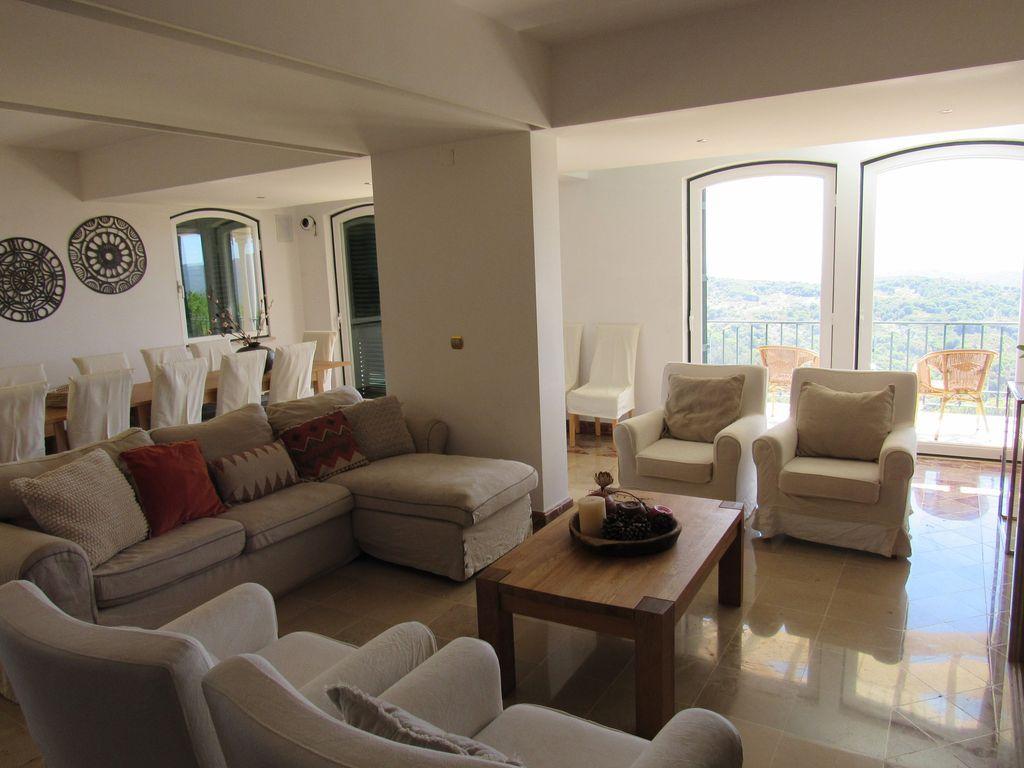 Vivienda de 400 m² para 20 huéspedes