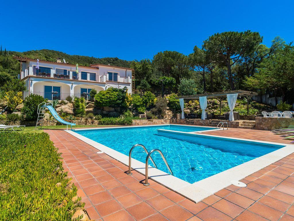 Tourist Apartment in Costa brava of 7 rooms