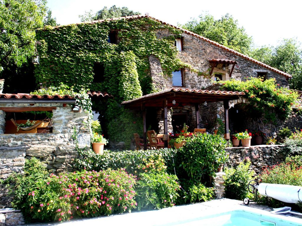 Charming holiday rental in Costa brava of 6 rooms