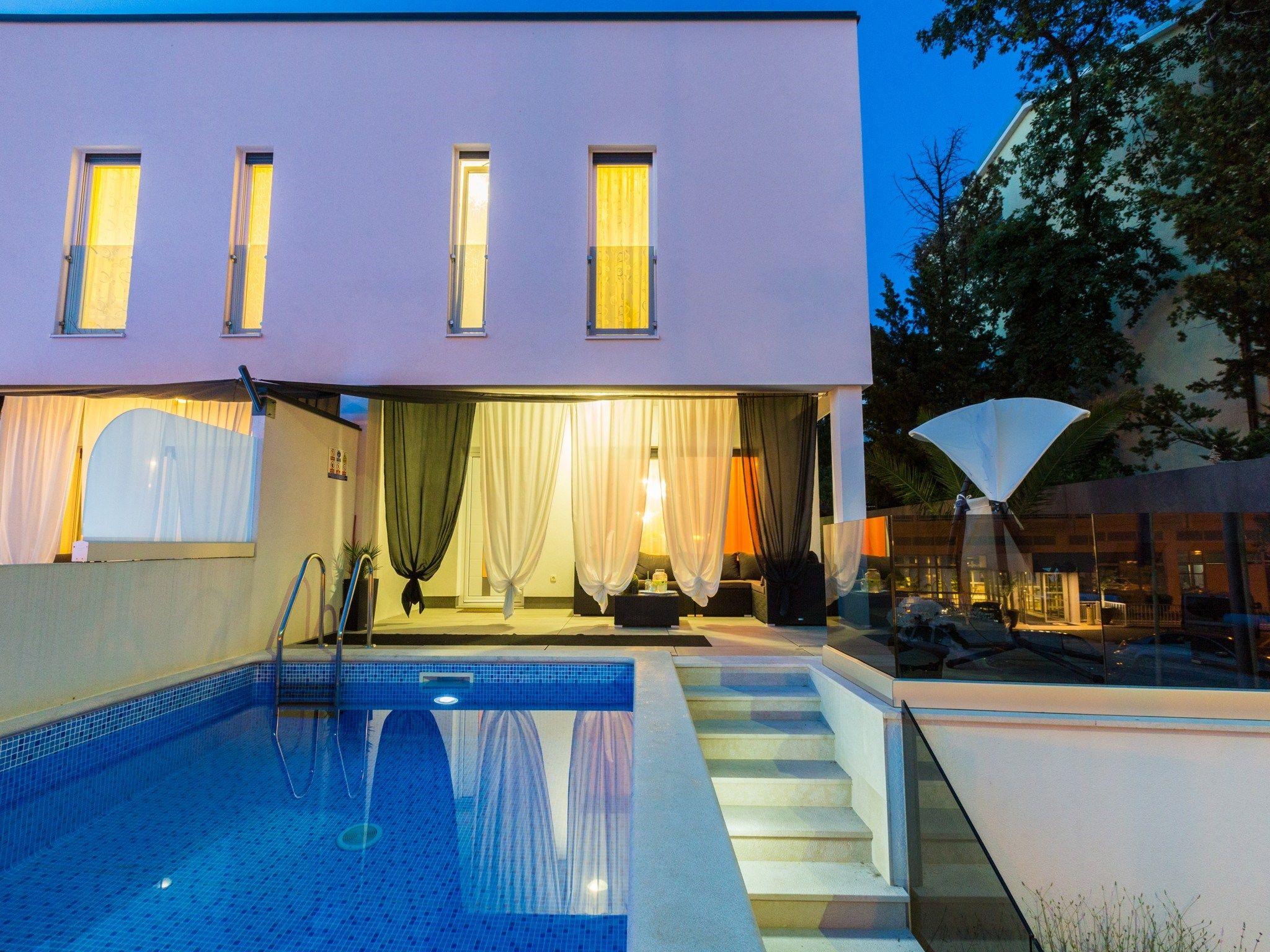 FerienHaus mit Pool, Klimaanlage und Wifi