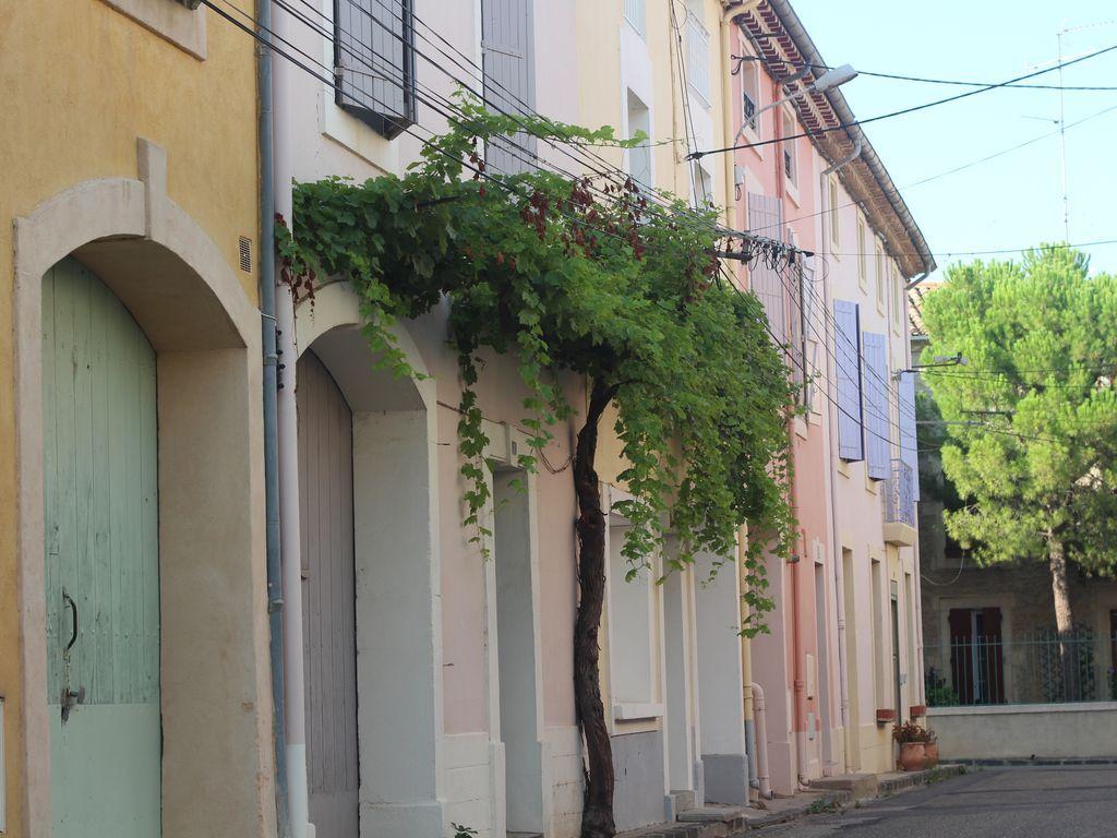 Residencia popular con parking incluído