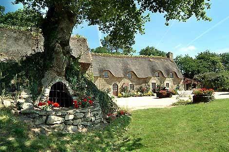 Bretaña con tejado de paja casas de campo con piscina privada climatizada - La Chaumiere (duerme 4/5)