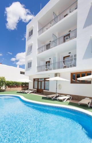Family holiday rental with balcony