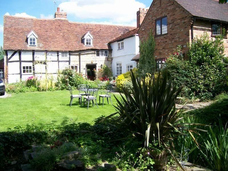 Acanthus Cottage