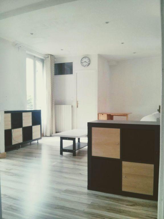 Equipado alojamiento de 2 habitaciones