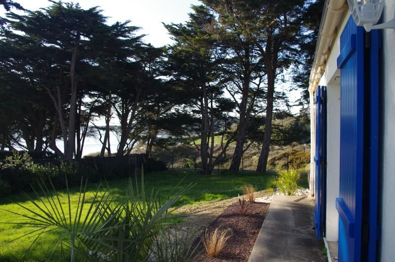 Family Holiday House Sea View direct beach access
