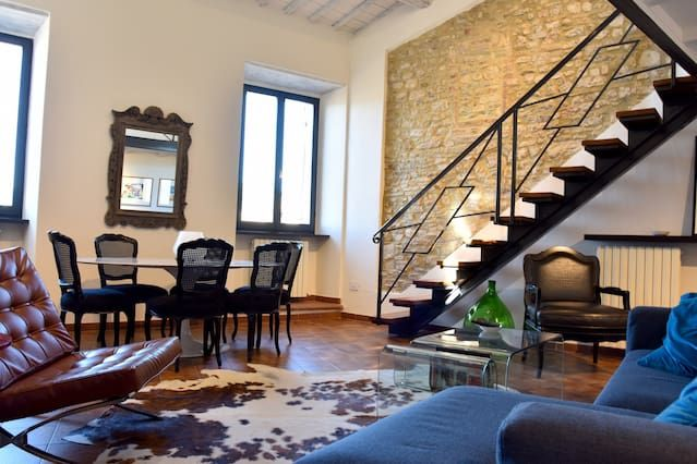 Hébergement avec balcon à Spoleto