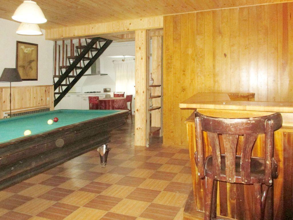 Casa con piscina en Miraflores de la sierra