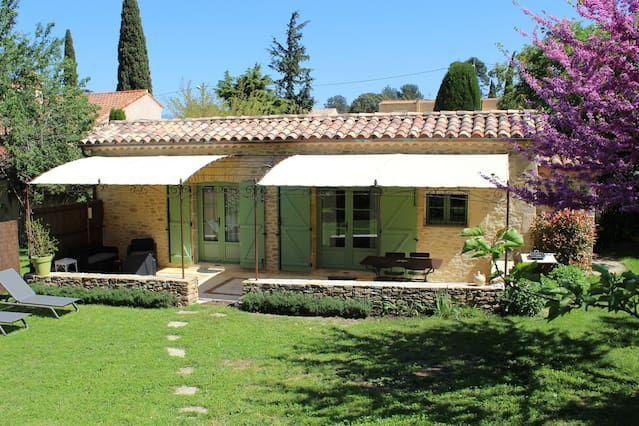 Casa de campo provenzal independiente en un tranquilo jardín