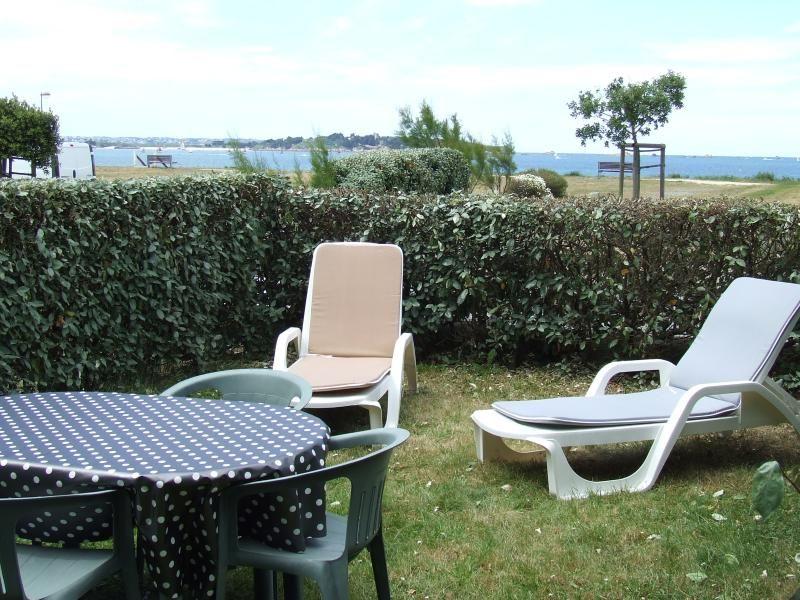 Appartement au bord de la  mer avec rez-de-jardin