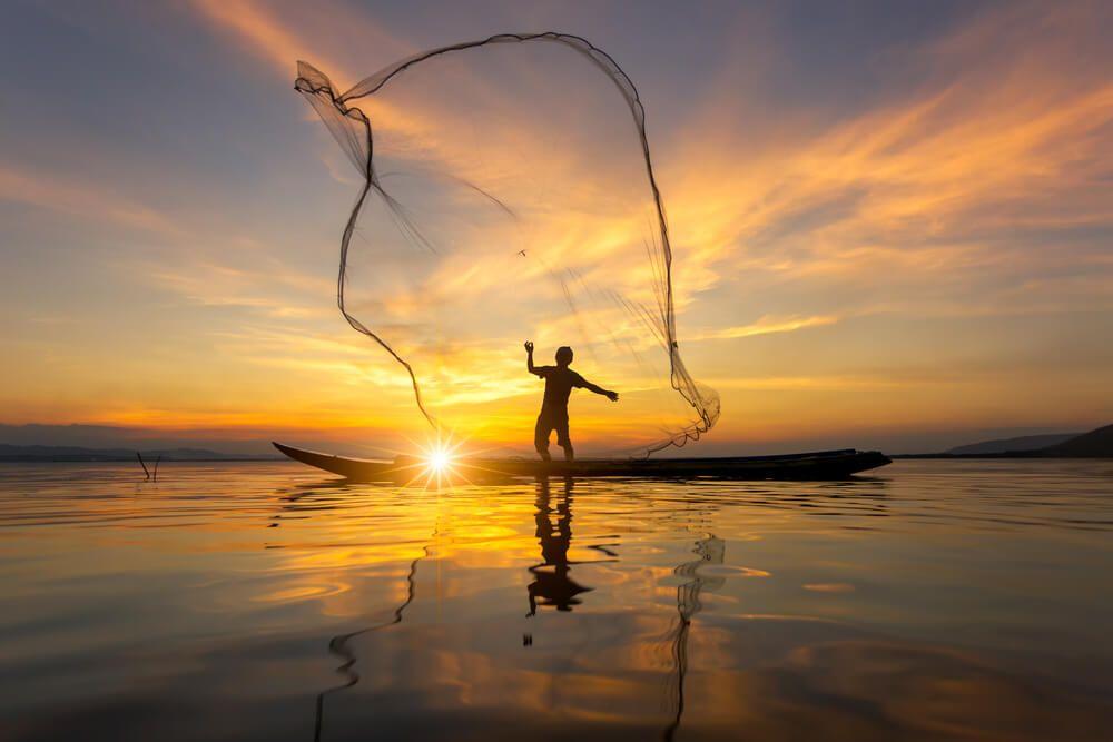 coucher du soleil sur le Lac Inle