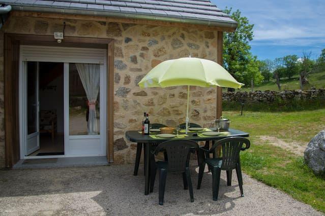 Alojamiento de 2 habitaciones en Aumont-aubrac