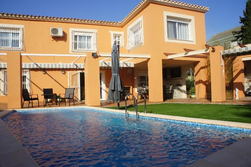 Idyllic apartment with Wheelchair access and Laundry in Benidorm