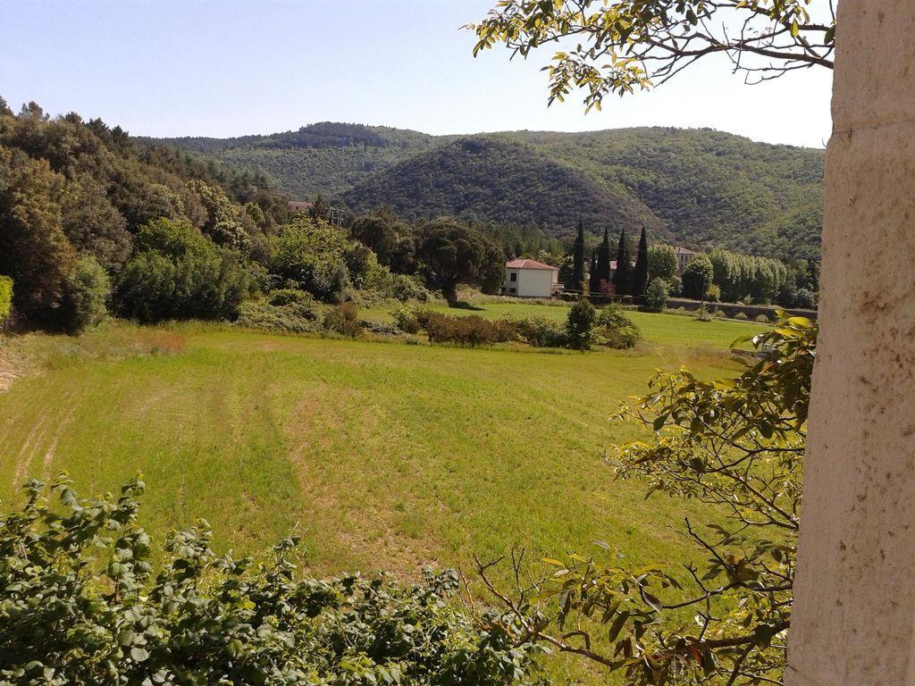 Alojamiento en Cazilhac con jardín