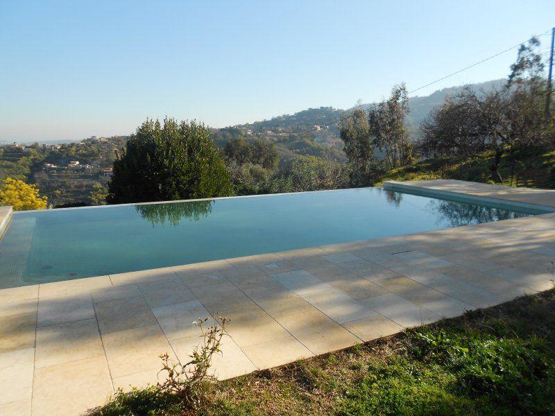 Apartamento con piscina para 4 huéspedes