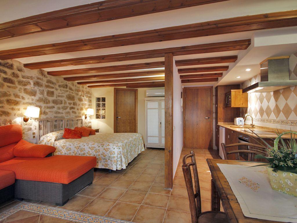 Provisto piso de 1 habitación