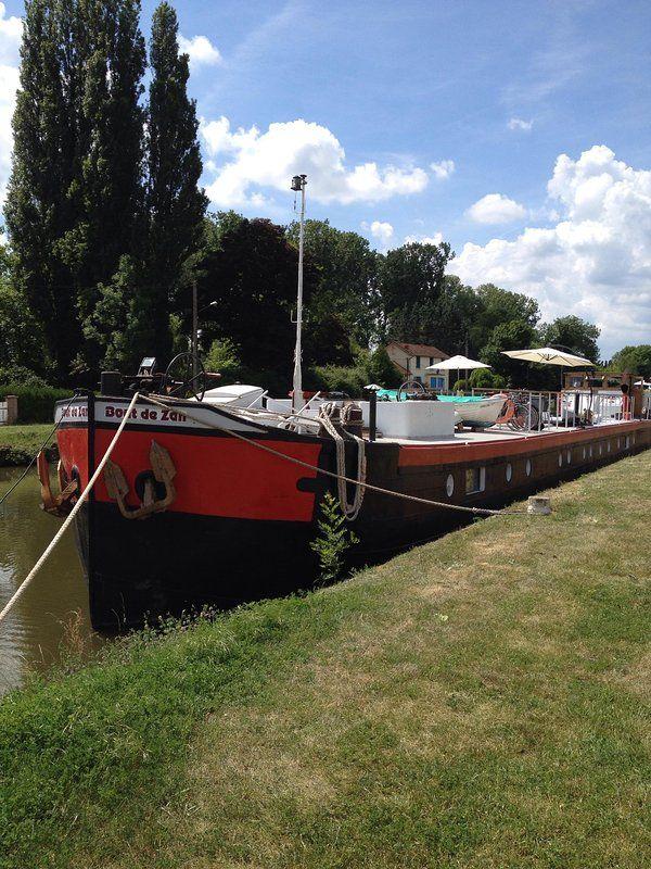 Casa flotante de casa flotante Bout de Zan, Borgoña Canal du Nivernais, 6 personas