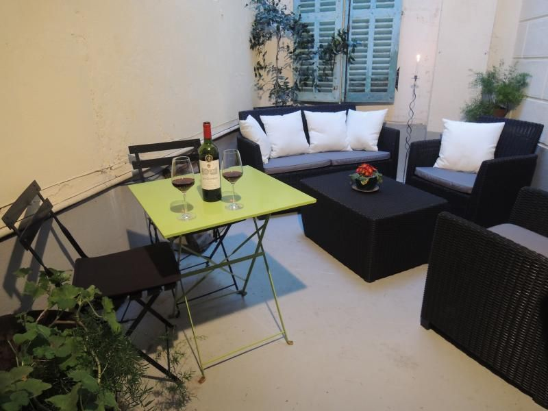 Pretty, Light & Airy Apartment, heart of Limoux