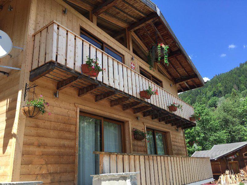 Vivienda con balcón para 8 personas