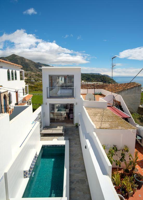 Casa con balcón en Maro