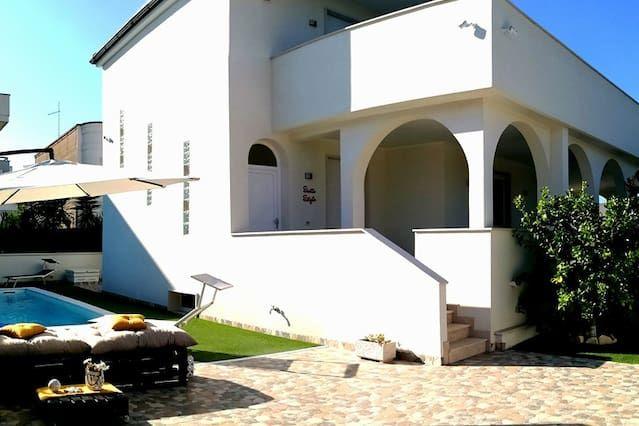Villa pet-friendly con balcone