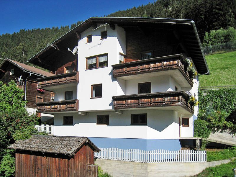 Residence in Kappl for 8 guests