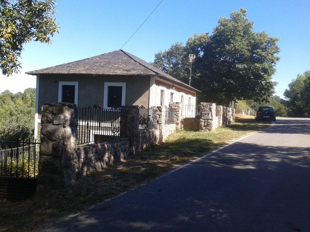 Casa de campo en alquiler con jardín privado
