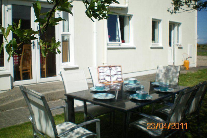 Residencia en Portsalon con jardín