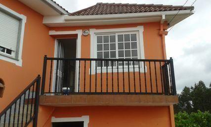 Alojamiento en Camarinas , san xurxo con parking incluído