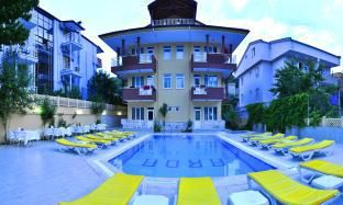 Property in Kemer with parking included