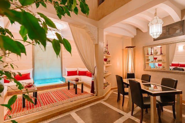 Casa funcional con balcón