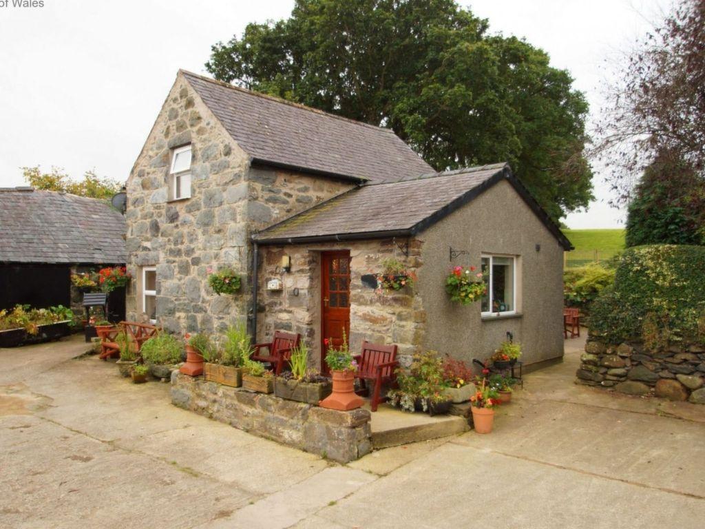 Vivienda de 3 habitaciones en Llangelynin