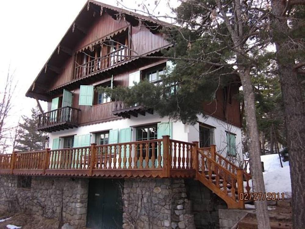 Alojamiento de 6 habitaciones con parking incluído