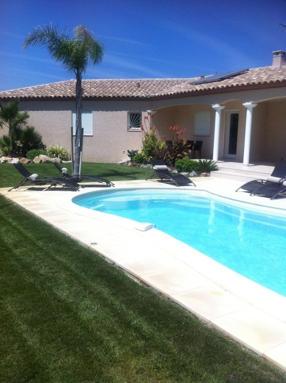Casa con piscina de 3 habitaciones