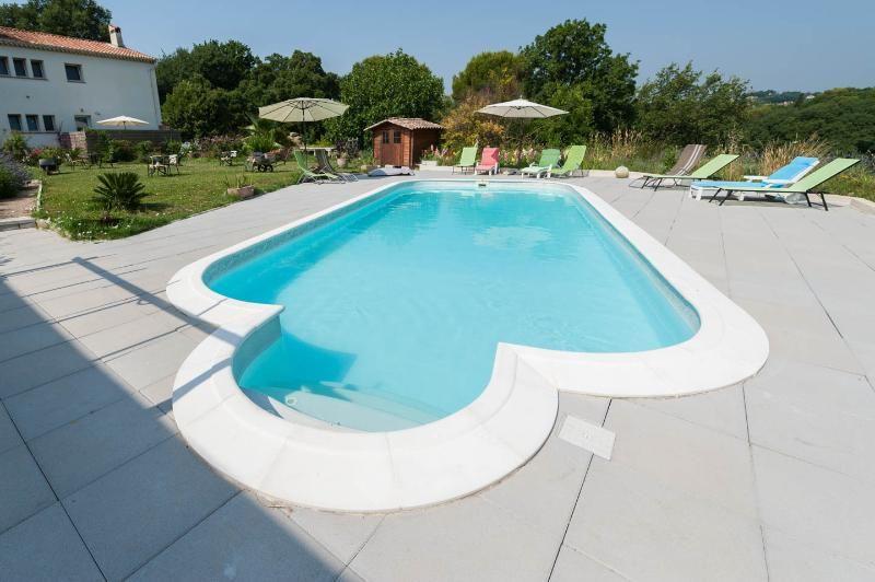 Vivienda funcional con piscina