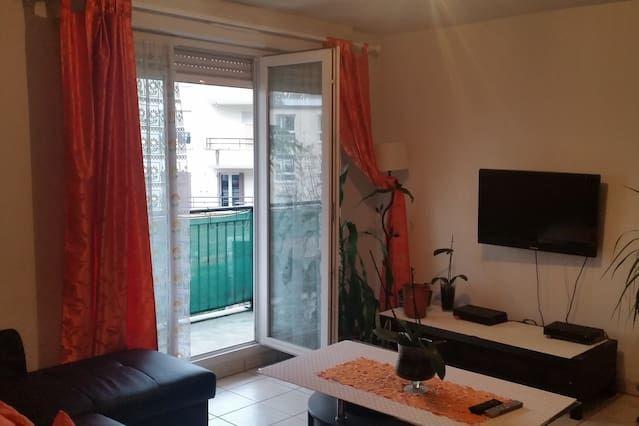Vivienda de 63 m² con balcón