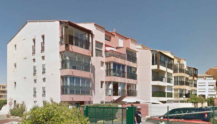 Apartamento con parking incluído para 4 personas