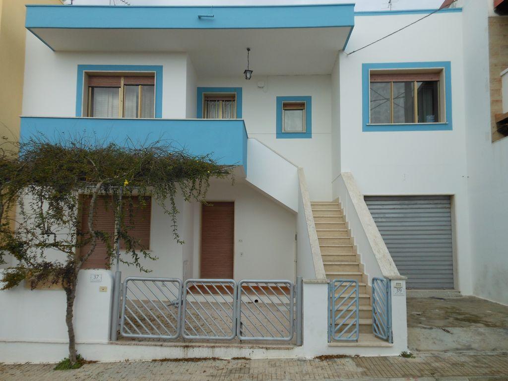 Alojamiento con parking incluído en Lido marini