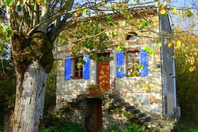 Romantic cottage at Cordes