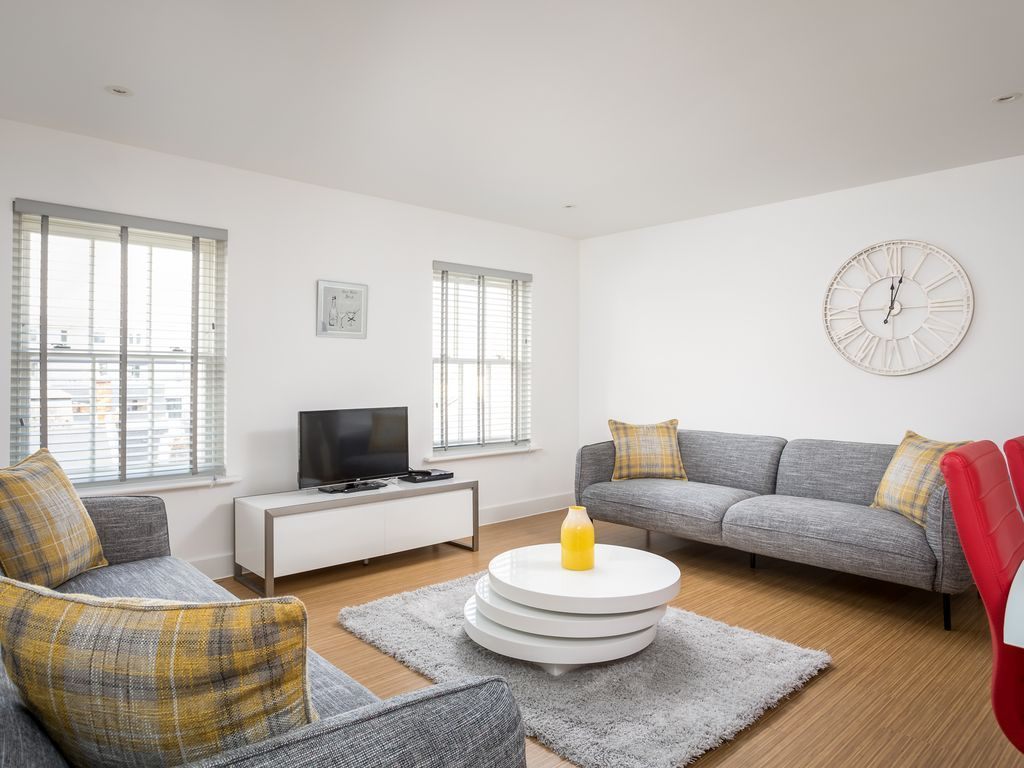 Apartment with parking included in Cheltenham