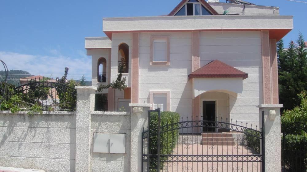 Casa de 240 m² en Goynuk