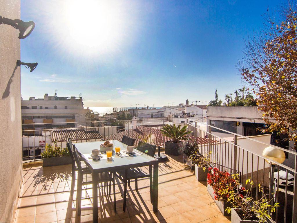 Apartamento en Costa dorada con  TV por cable